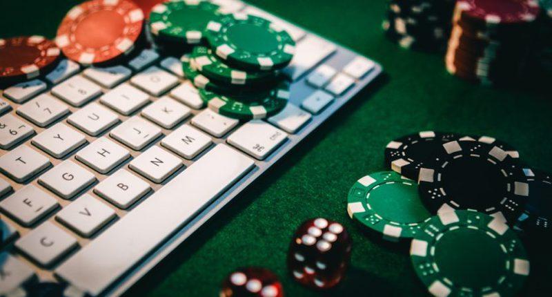 Winning Poker Online by Utilizing Poker Tools